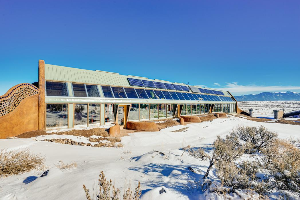 Earthship Way, Tres Pierdas, NM 87577