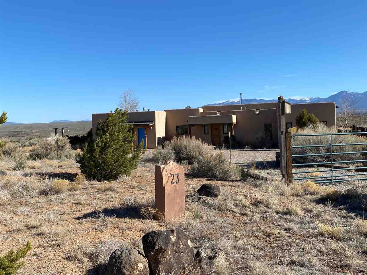 23 Rahill Road, Ranchos de Taos, NM 87557