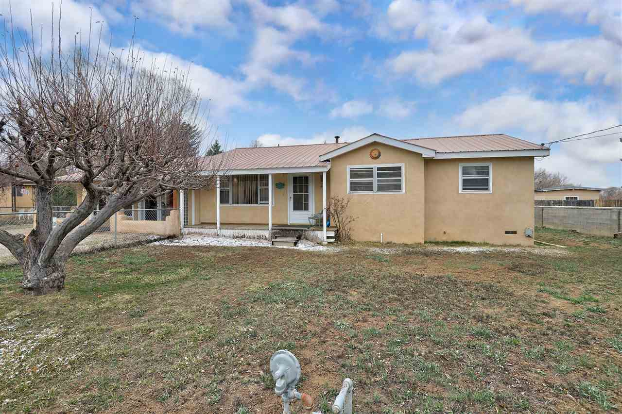 106 Roman Court, Taos, NM 87571
