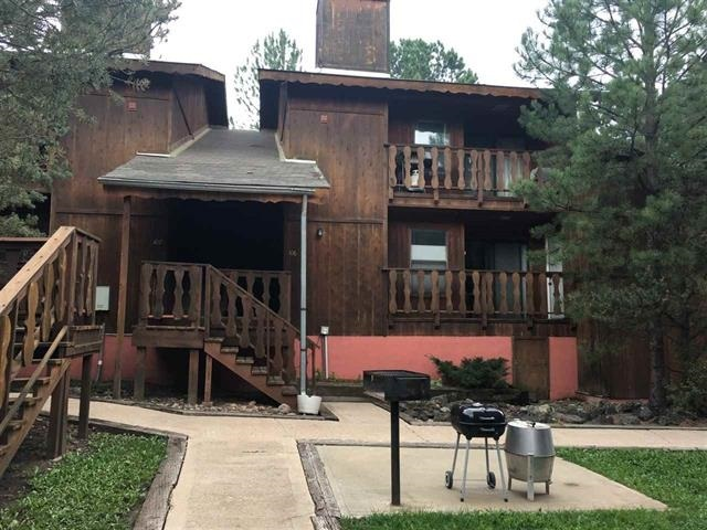 Great Condo very close to the ski slopes with great rental opportunity.