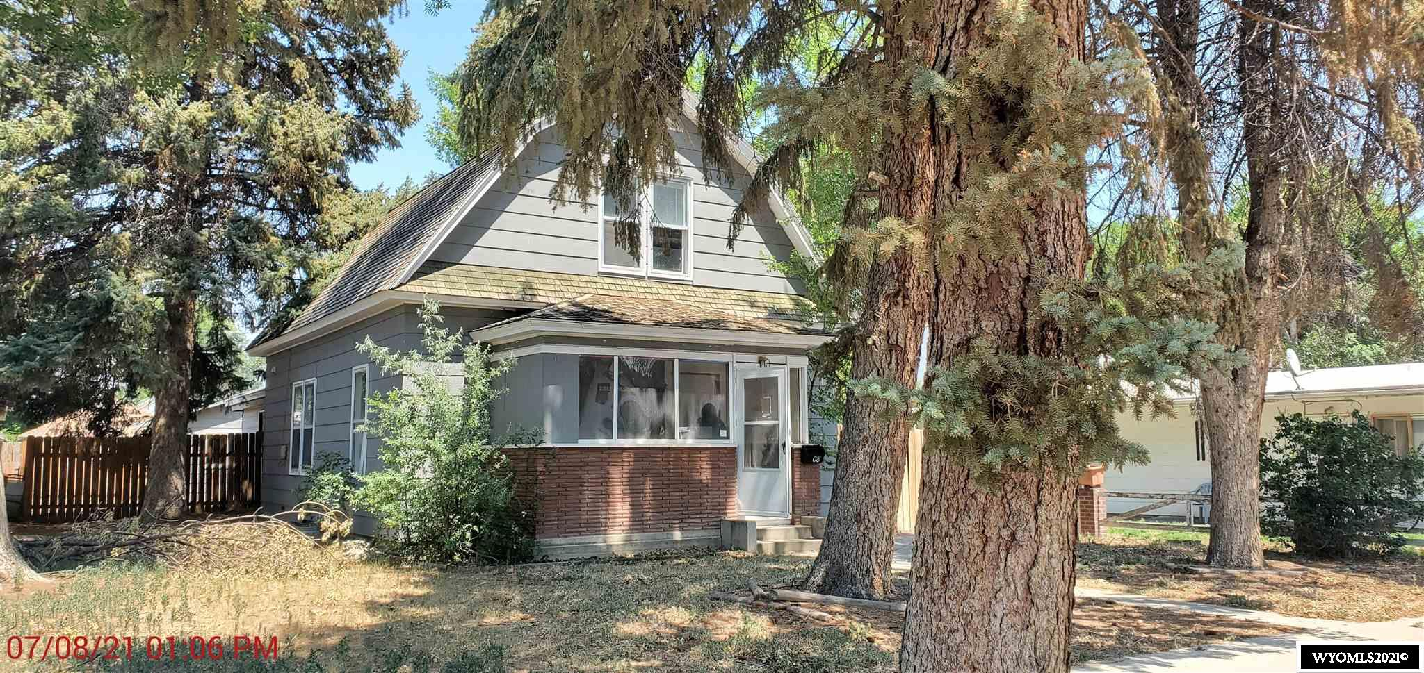 Looking for a fixer upper or a house to flip, look no further.  1 1/2 story house with 2-car detached garage. Lots of potential! All offers must be submitted by the Buyer's agent via RES.NET Agent Portal.  If your offer is accepted, you agree to be responsible for an offer submission technology fee of $150.  The fee will be included on the closing disclosure and paid at the closing of the transaction.  To submit your buyer's offer, simply click the link below.  If you already have a RES.NET Agent account, you will be prompted to log in.  If not, you will be prompted to create an account.  To begin, click or paste this link into your web browser: https://agent.res.net/Offers.aspx?-1721851